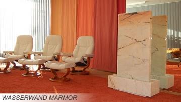 Wasserwand aus Marmor