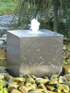 gartenbrunnen sprudelnder edelstahl-quader h50 - revisage, Garten ideen