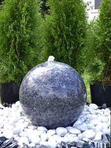 granit kugelbrunnen sky granit quellkugel kaufen beim. Black Bedroom Furniture Sets. Home Design Ideas